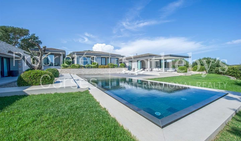 Seaside villa with pool Bonifacio