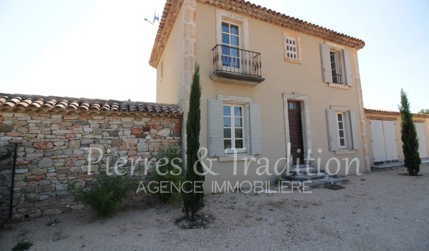 House with pool and terrace Saint-Saturnin-lès-Apt