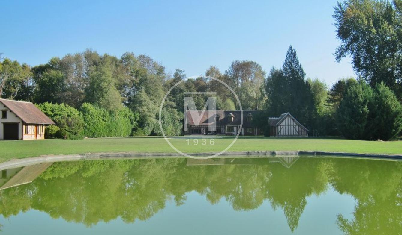 Propriété avec piscine Saint-Julien-du-Sault