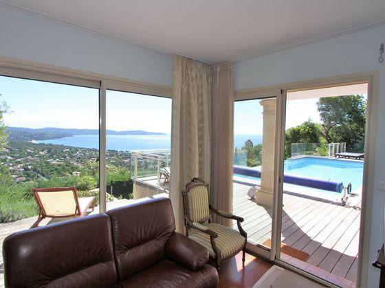 Vente villa 8 pièces 270 m2