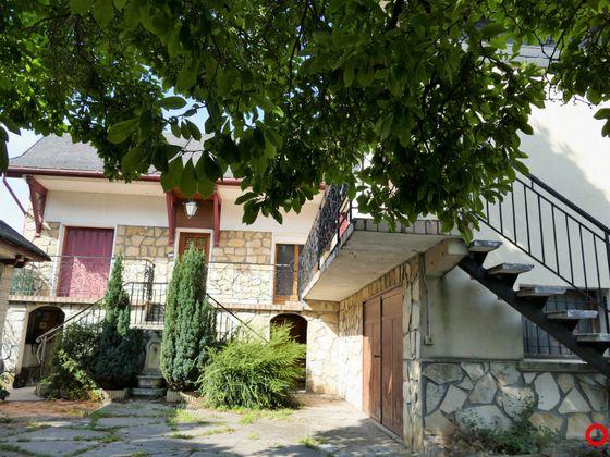 Vente maison 12 pièces 251 m2