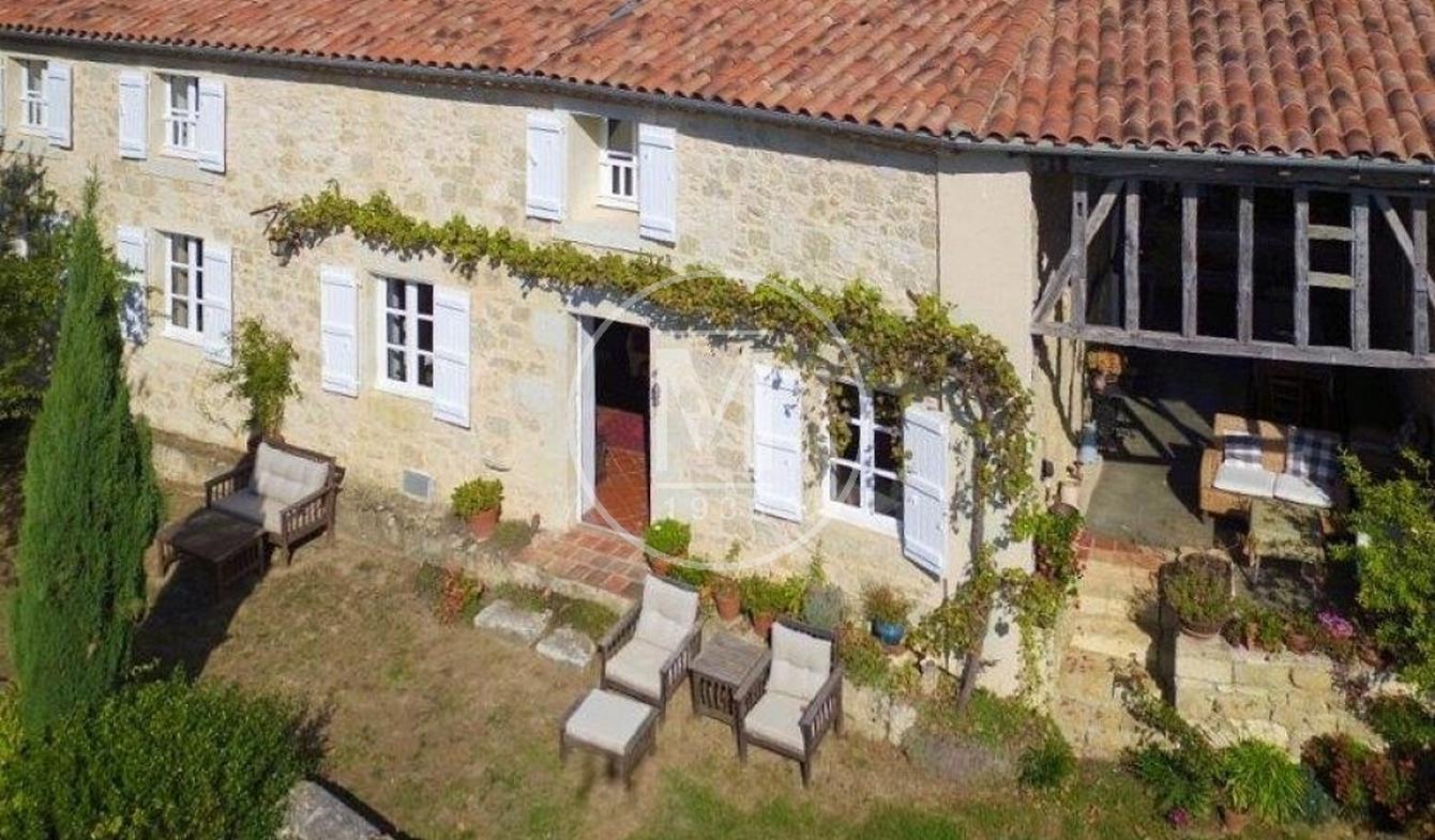 Maison avec piscine et terrasse Vic-Fezensac