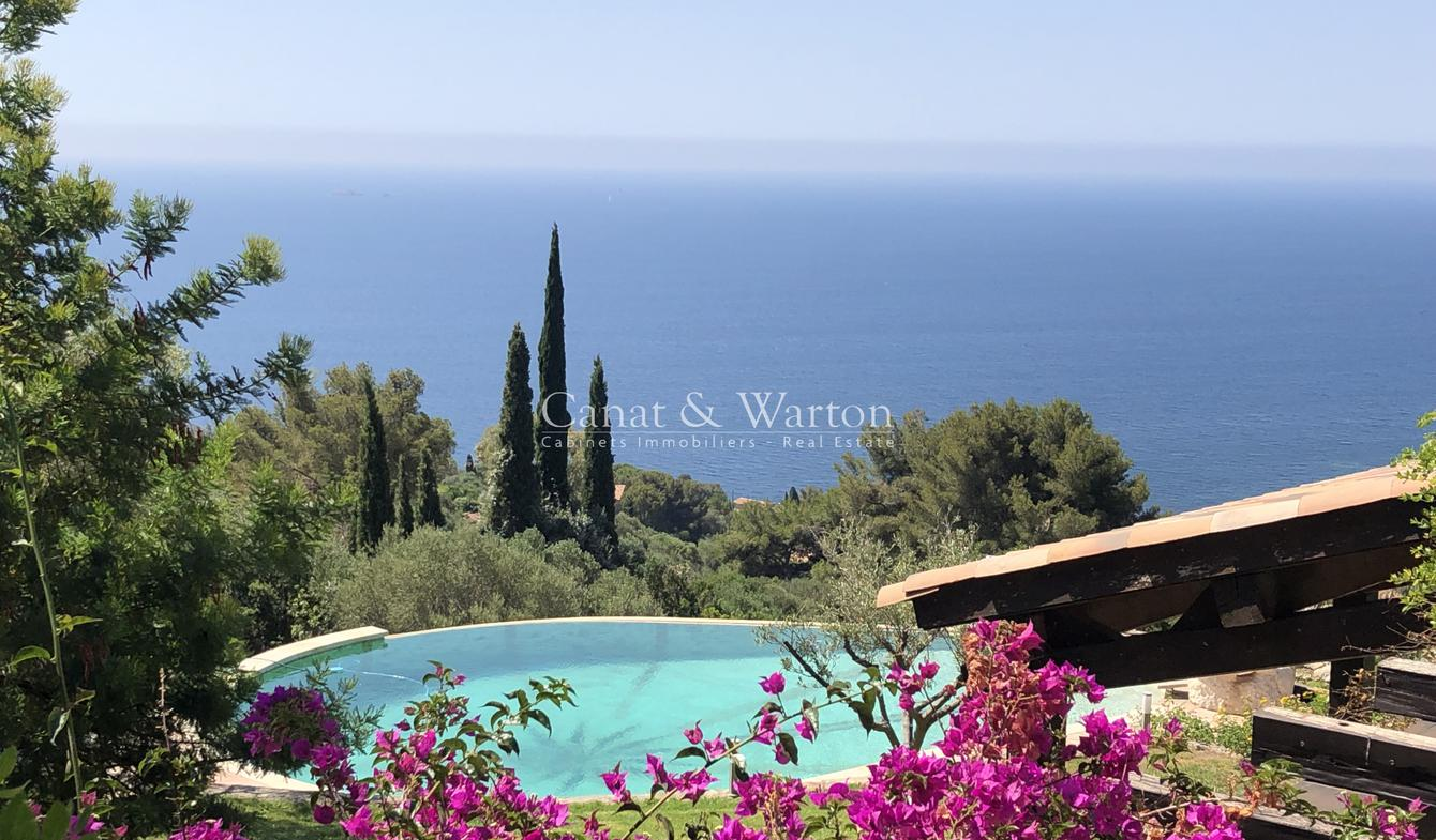Villa with pool and terrace Carqueiranne