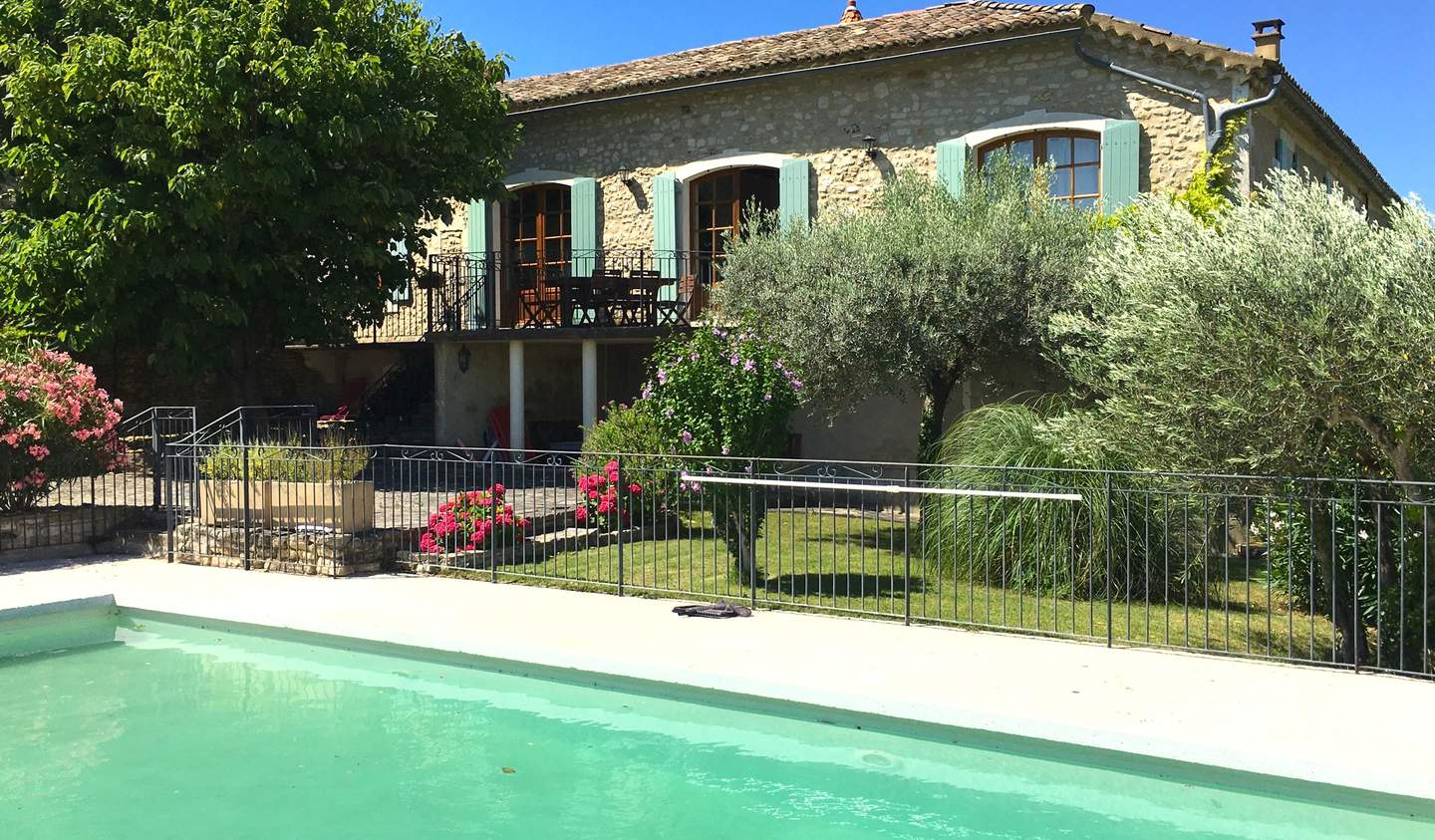 House with pool and garden Goudargues