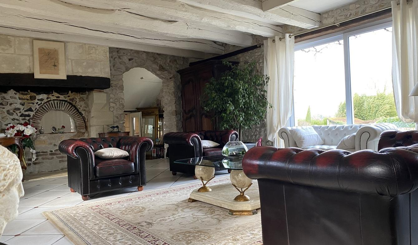 Property with pool and garden Notre-Dame-d'Oé