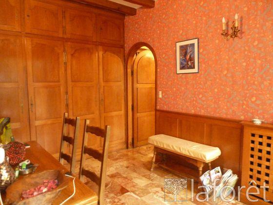 Vente maison 8 pièces 305 m2