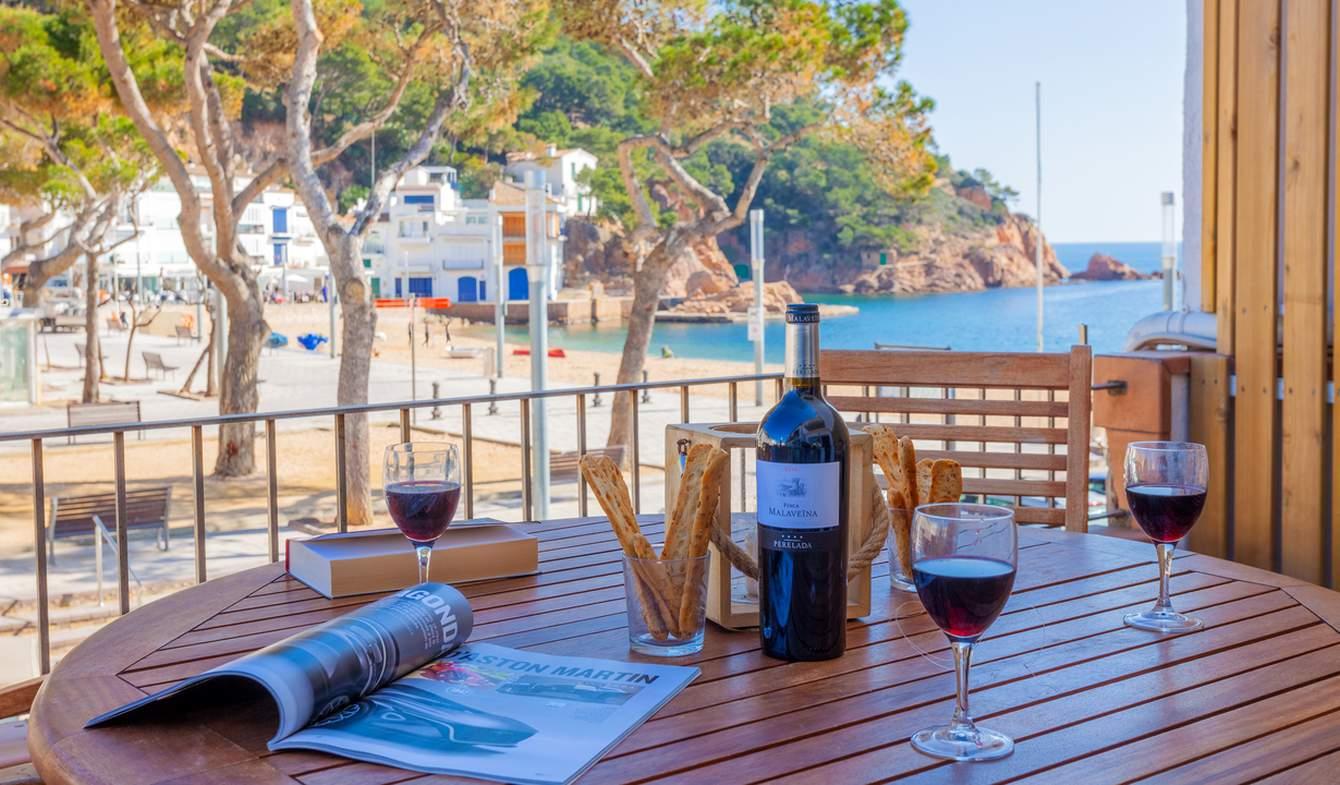 Appartement avec terrasse en bord de mer Tamariu