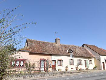 maison à Sury-ès-Bois (18)