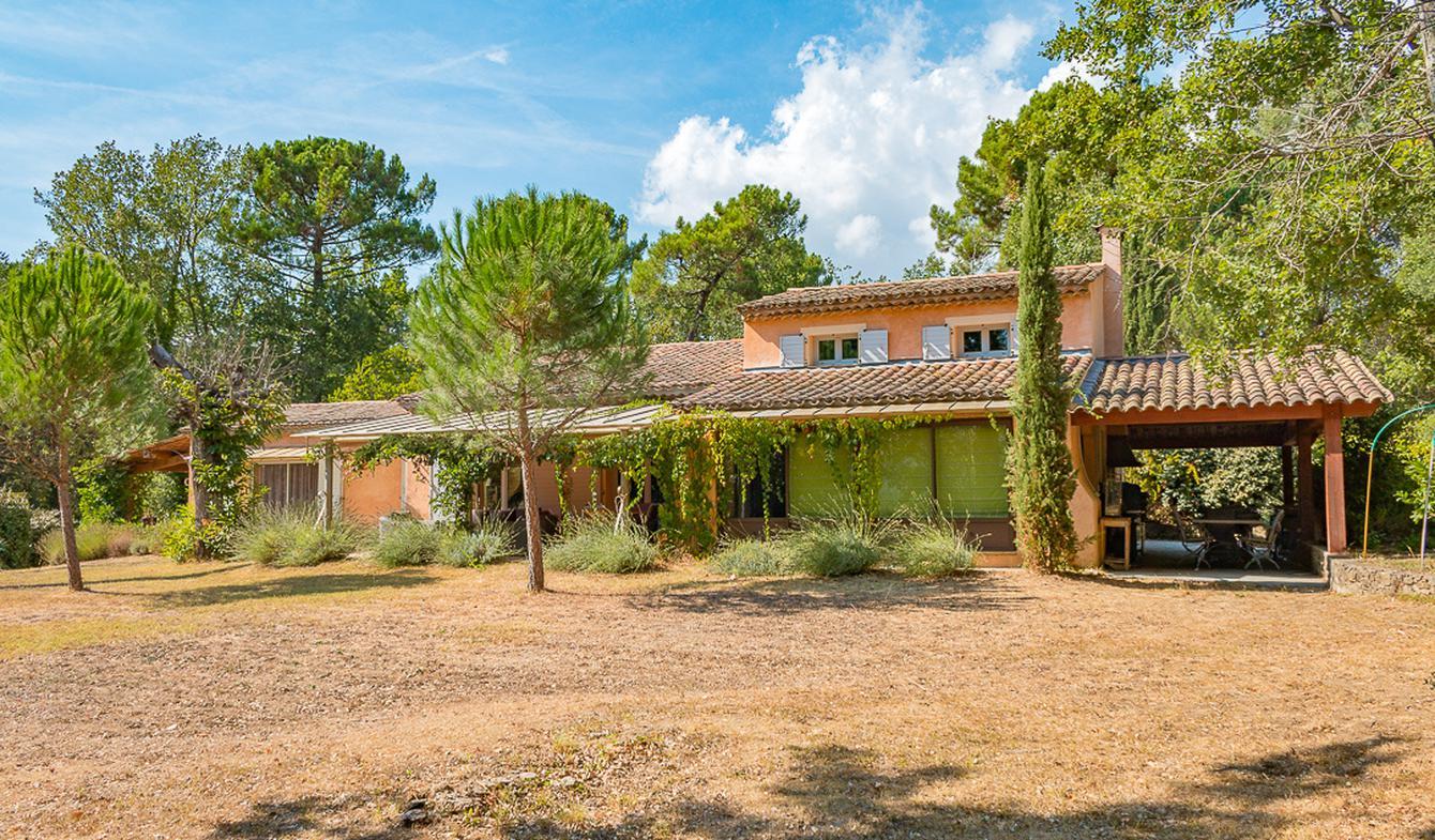 Villa avec piscine et terrasse Bagnols-en-Forêt