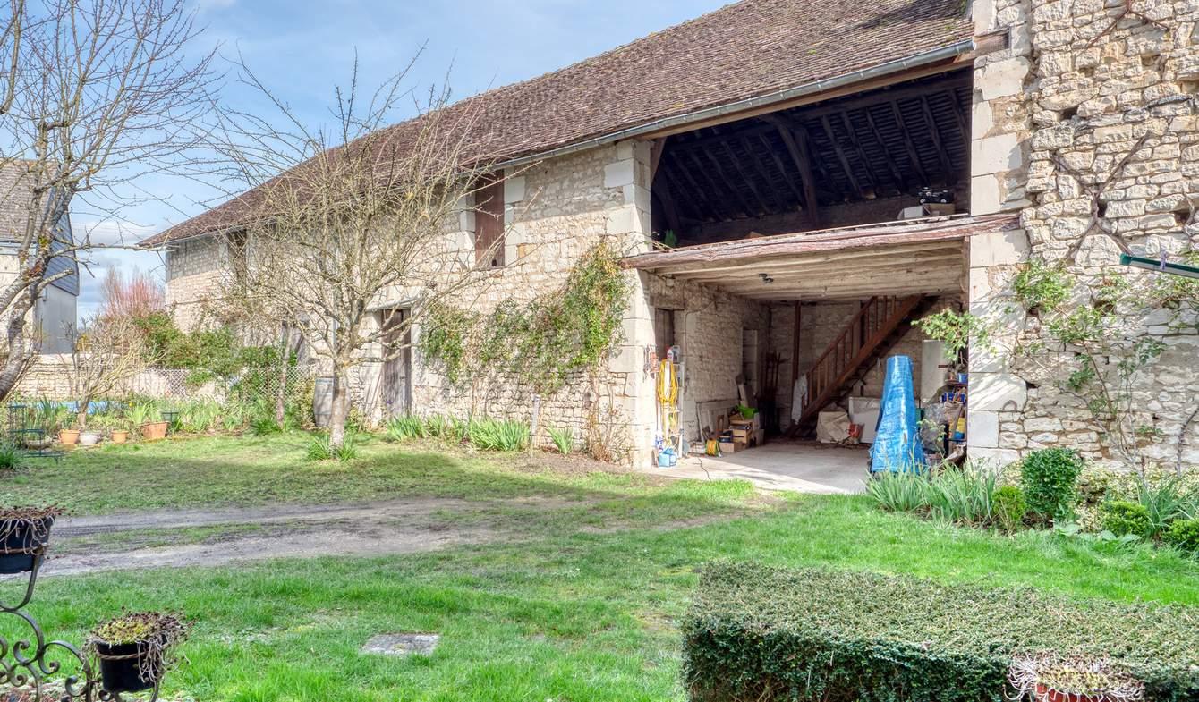 Appartement avec piscine Champigny-sur-Veude