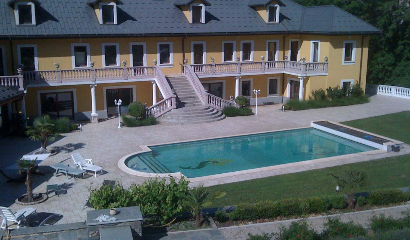 Villa with pool and terrace Moûtiers
