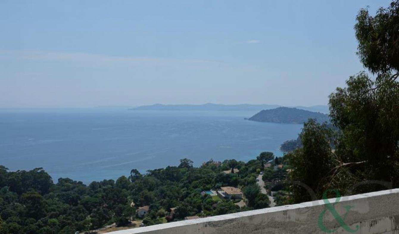Villa with pool and terrace Rayol-Canadel-sur-Mer