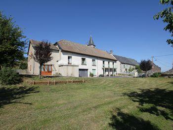 maison à Laveissenet (15)