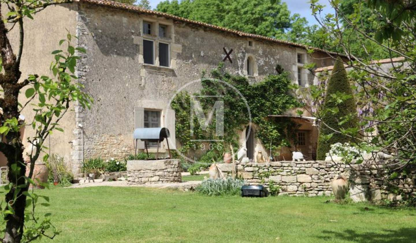 House with pool and terrace Niort