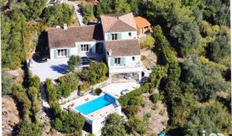 Maison avec piscine et terrasse Drap