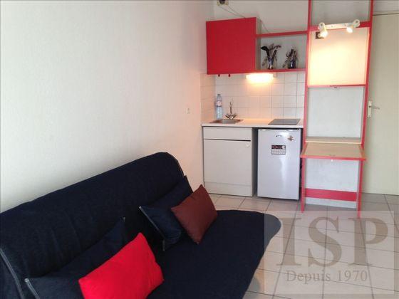 Location D'Appartements Meublés À Marseille 5Eme (13) : Appartement