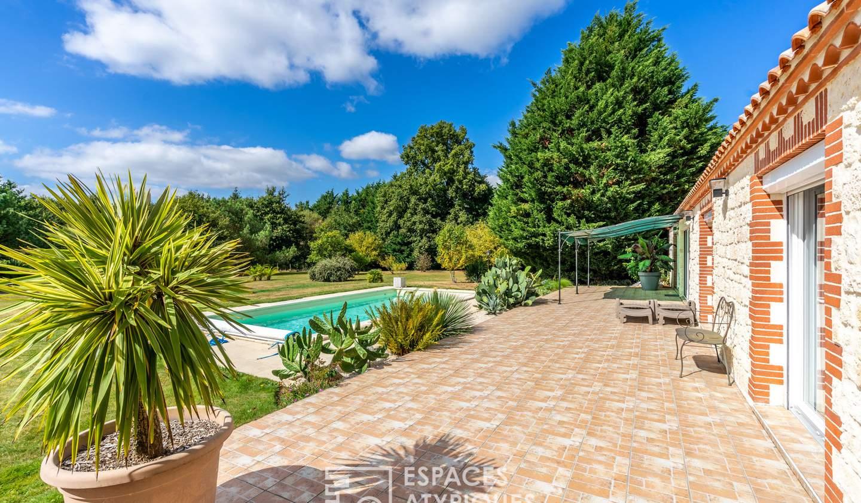 Maison avec piscine et terrasse Geneston