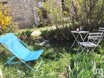 maison à Le Poët-Sigillat (26)