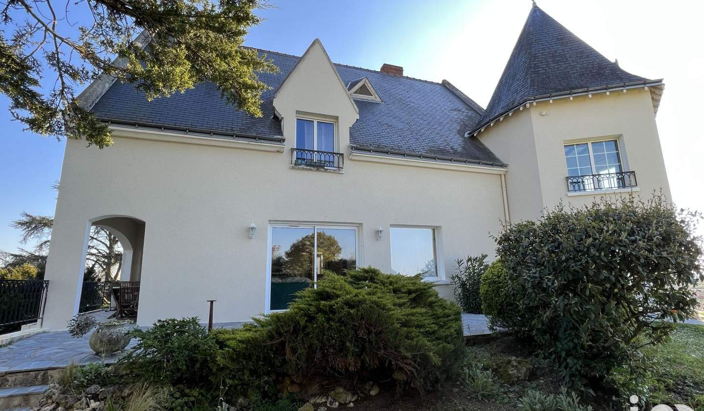 Maison avec terrasse Rochecorbon