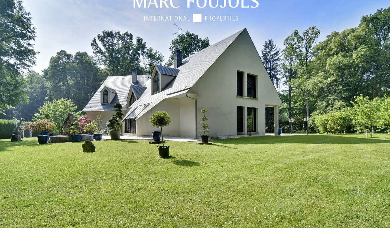 House with terrace Lamorlaye