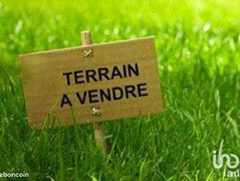 terrain à Villeneuve-sur-Bellot (77)