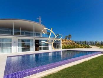 Villa 8 pièces 2000 m2