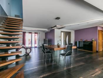 Maison 7 pièces 198 m2
