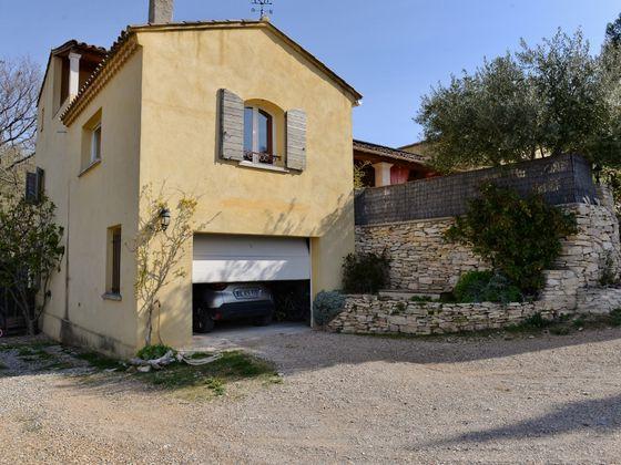 Vente villa 9 pièces 235 m2