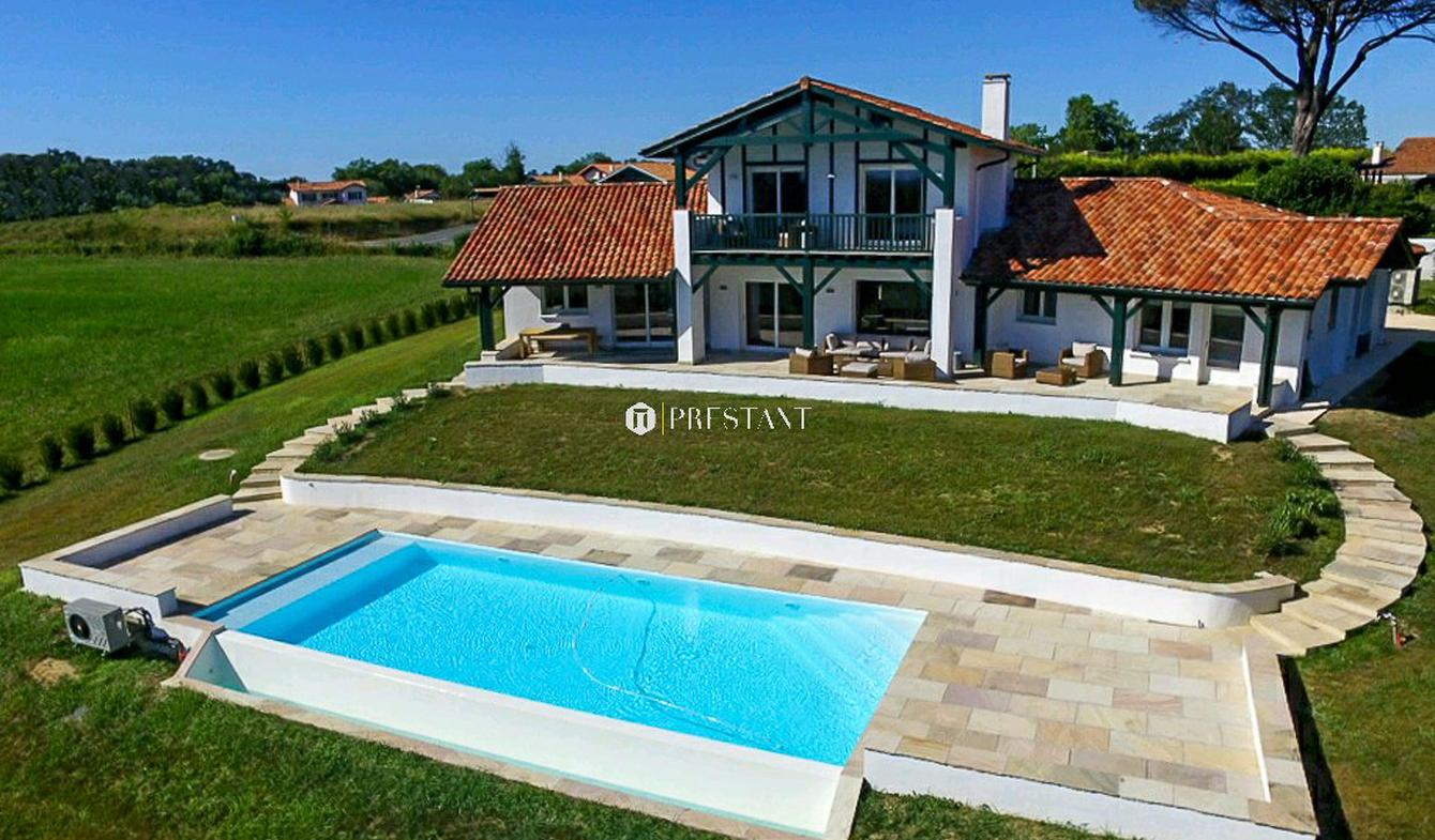 House with pool and terrace Arcangues