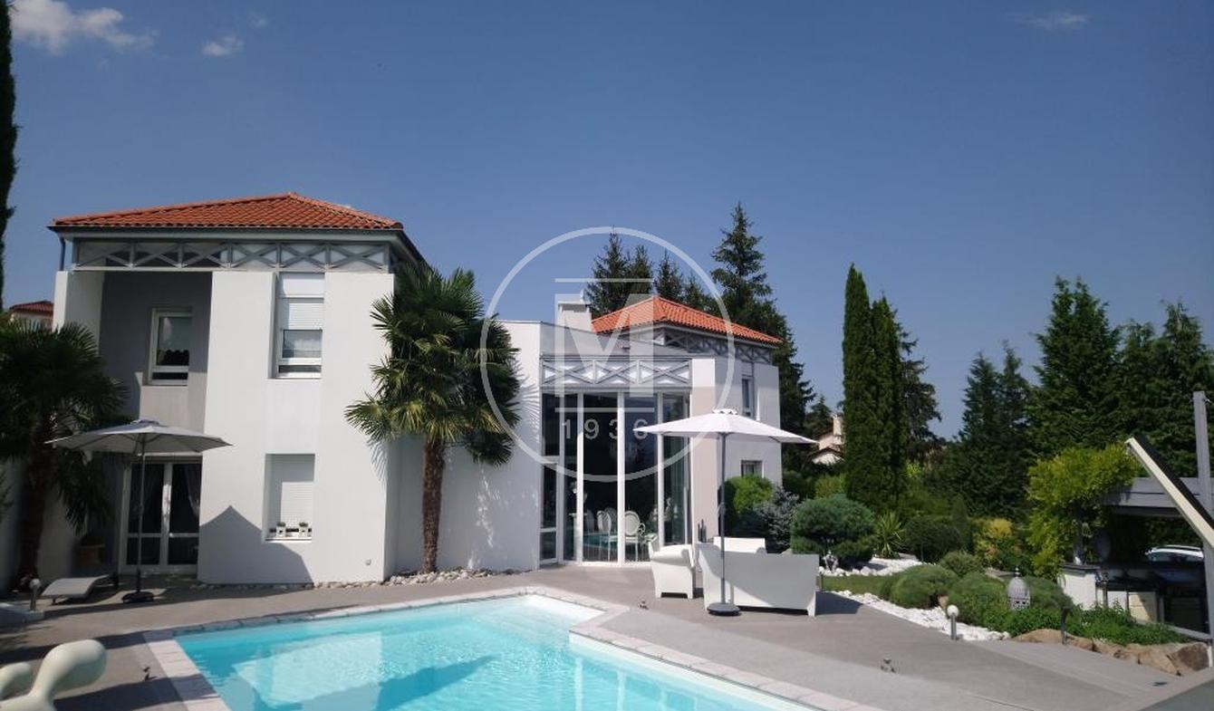 Villa avec piscine et terrasse Saint-Amant-Tallende