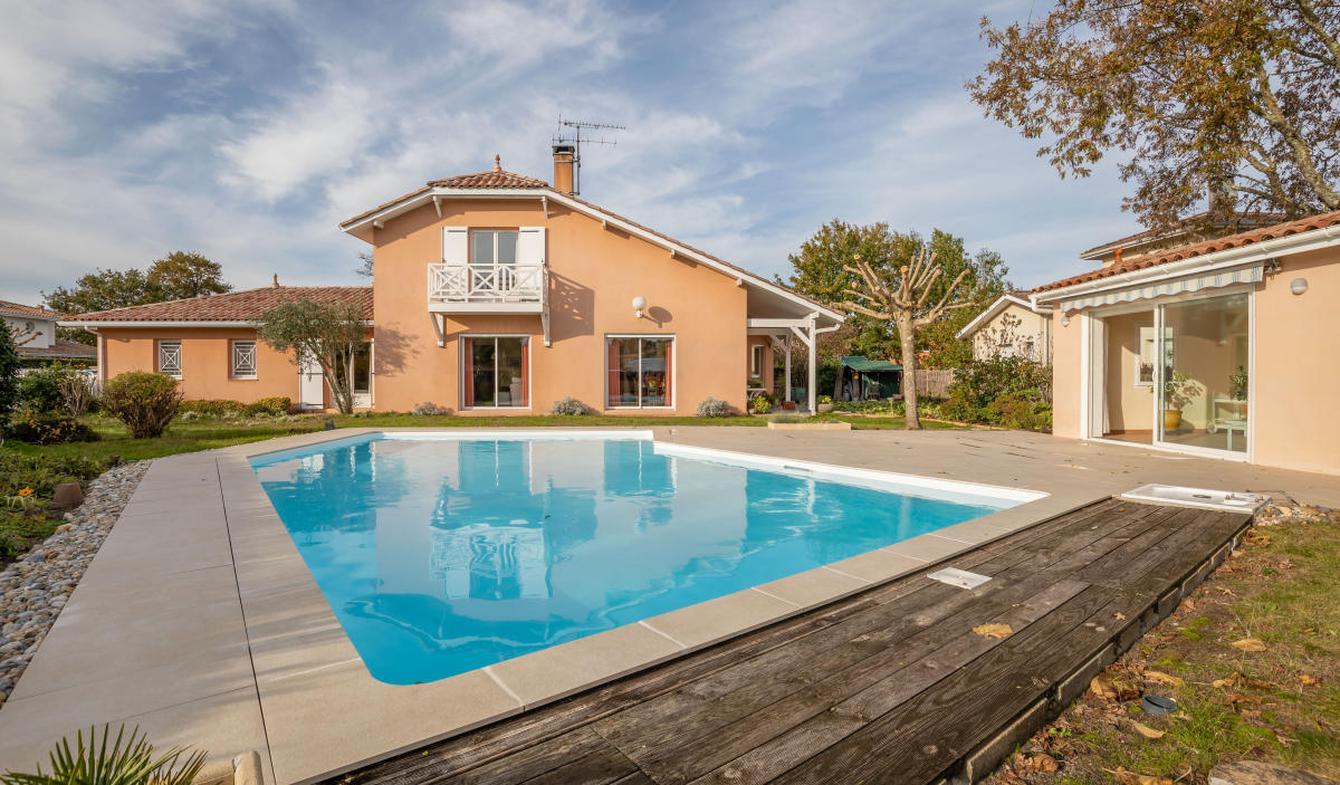 Maison avec piscine et terrasse Le Teich