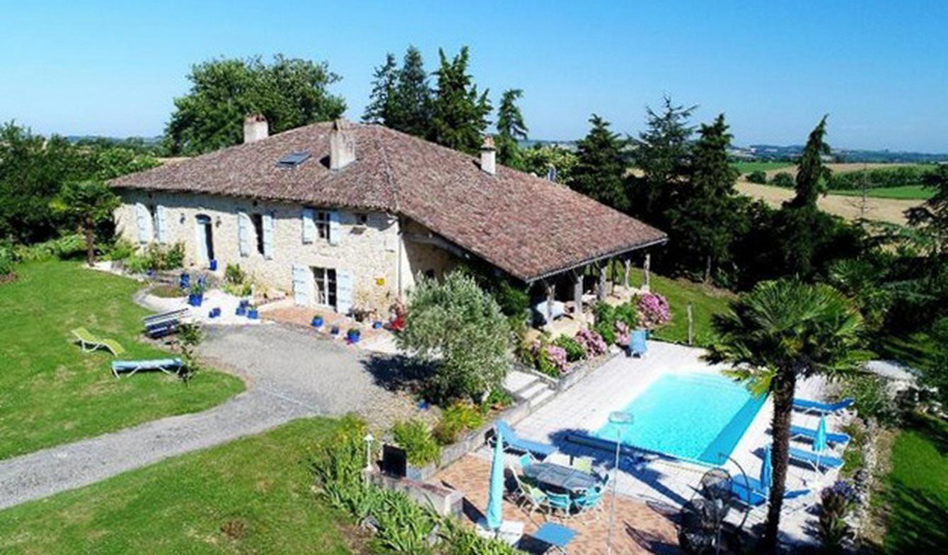 Villa avec piscine et terrasse Miradoux