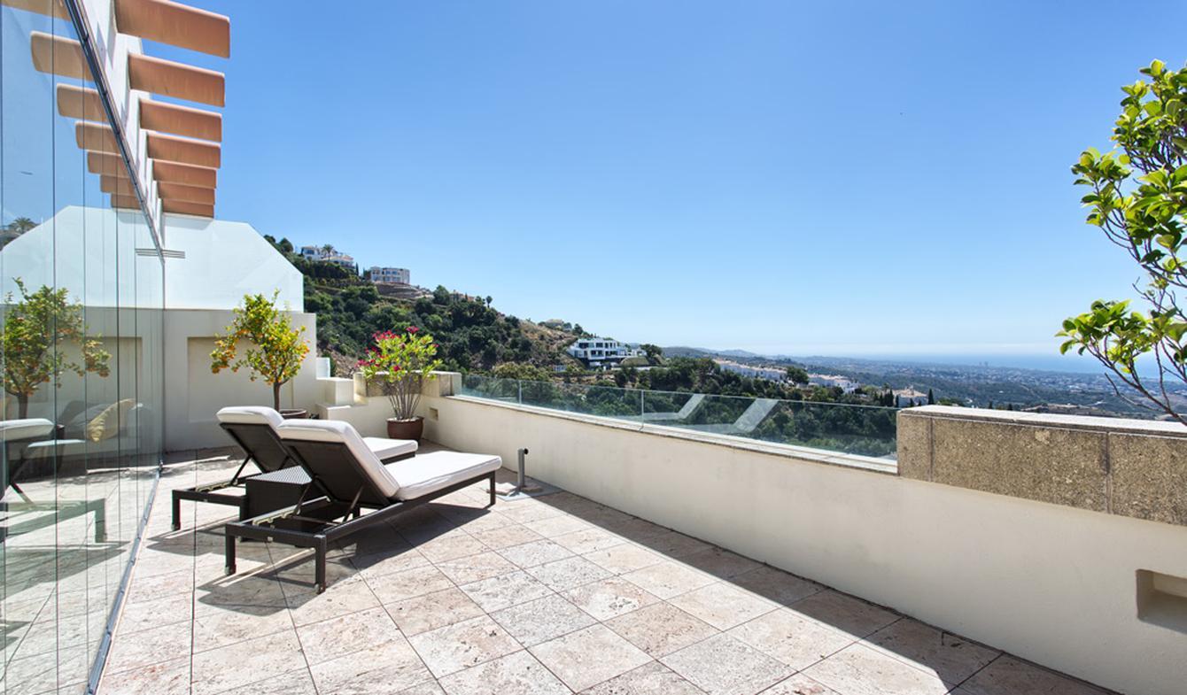 Appartement contemporain avec terrasse et piscine Marbella