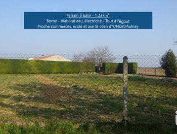 terrain à Villeneuve-la-Comtesse (17)