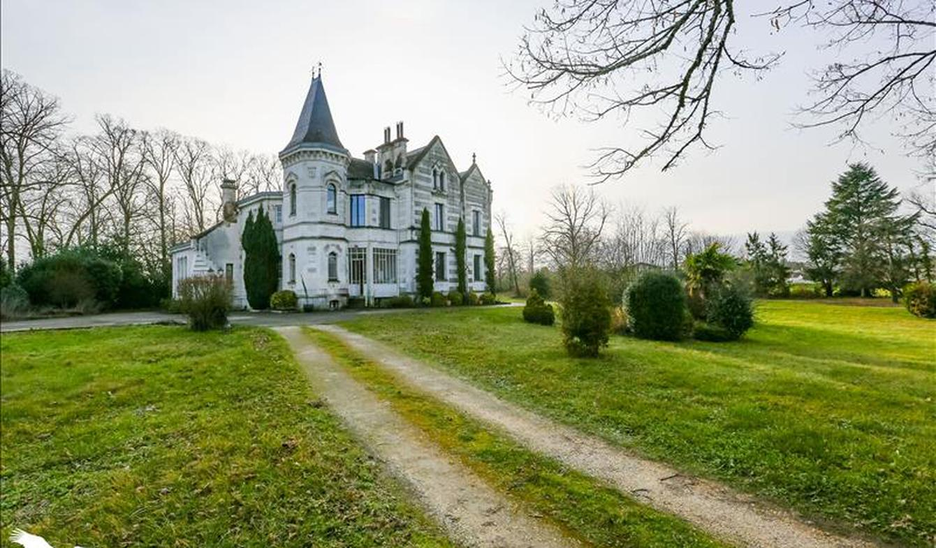 Maison Barbezieux-Saint-Hilaire