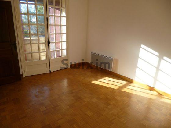 Location maison 9 pièces 209 m2