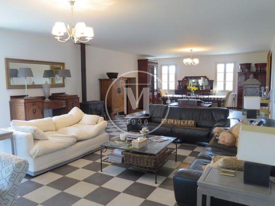 Vente propriété 6 pièces 255 m2