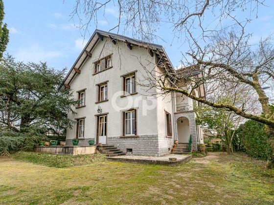 Vente maison 9 pièces 248,59 m2