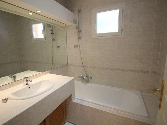 Location appartement meublé 2 pièces 51,85 m2