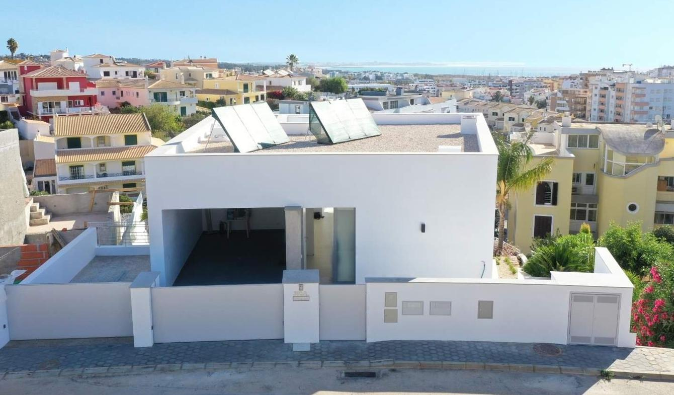 House with pool and terrace Lagos
