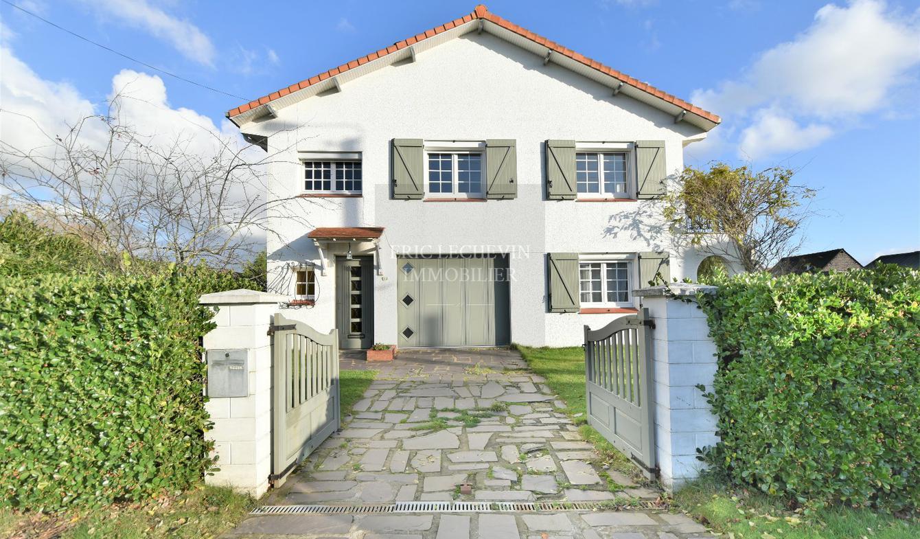 Maison avec terrasse Trepied