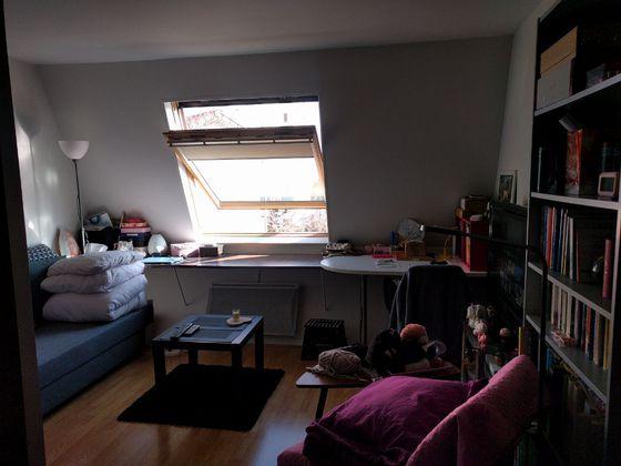 Location studio meublé 19,77 m2