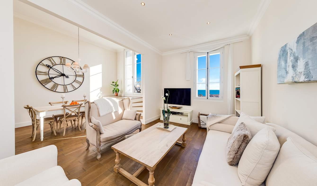 Appartement contemporain avec terrasse en bord de mer Beaulieu-sur-Mer