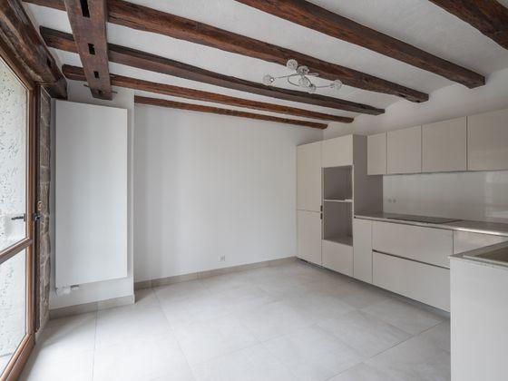 Location maison 4 pièces 205 m2