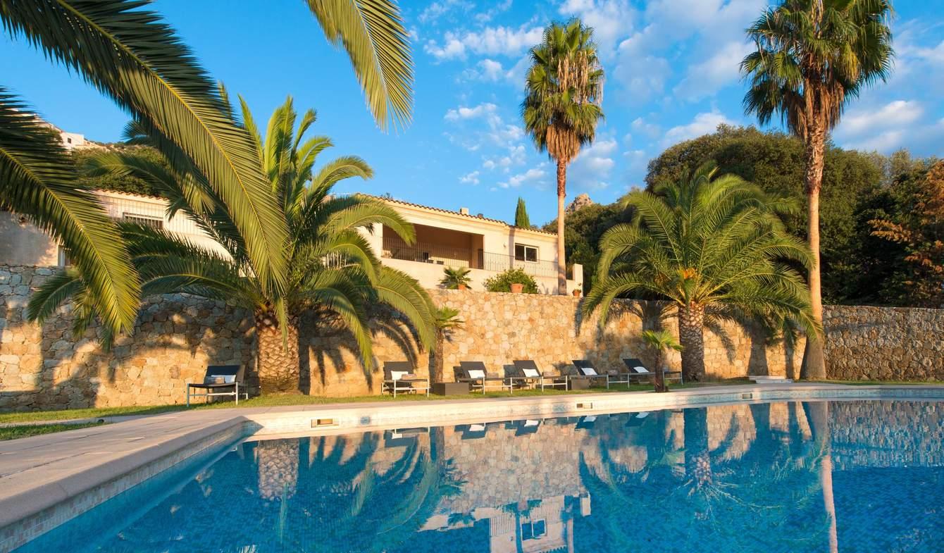 Villa with pool and terrace Calvi