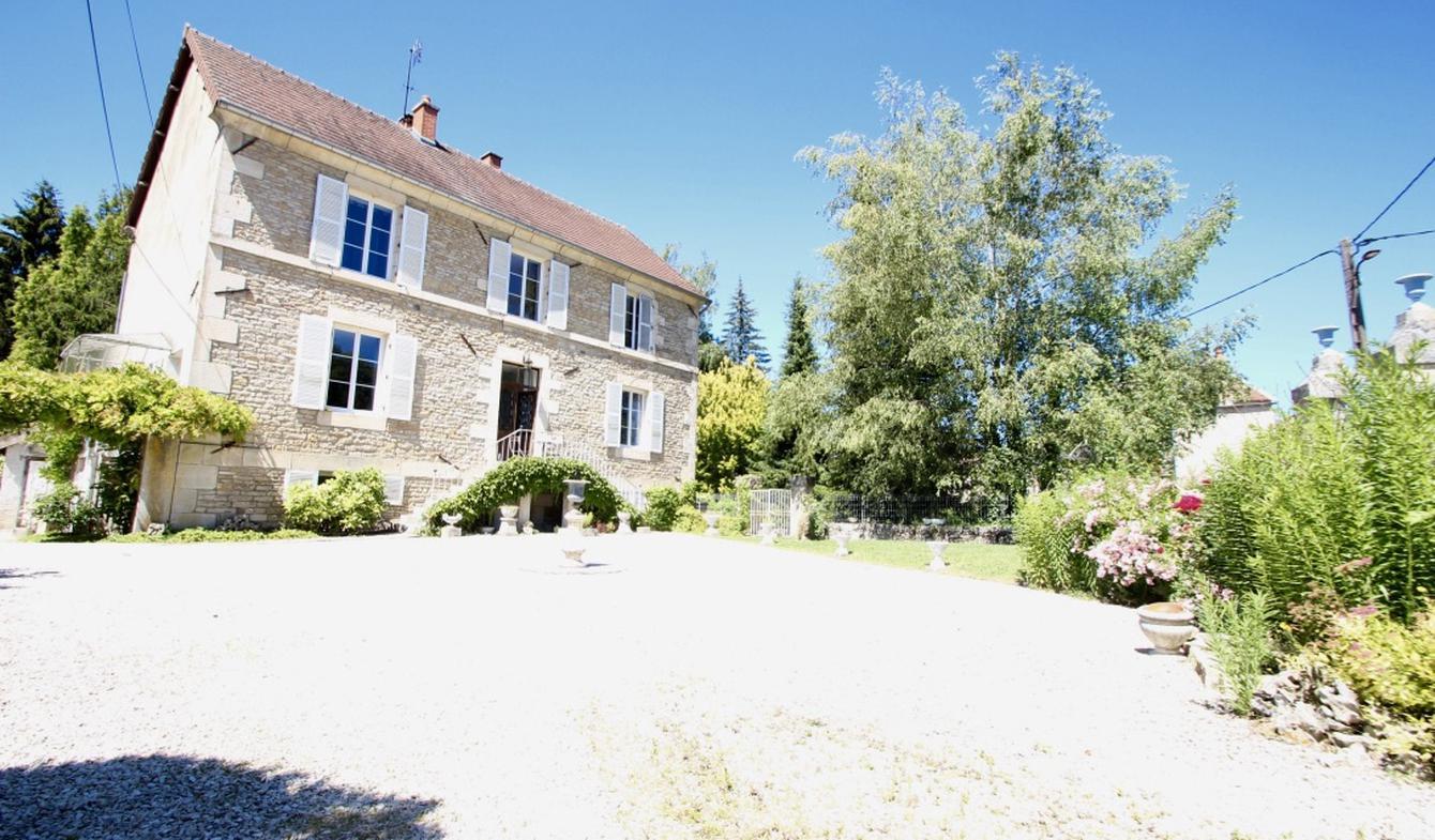 House with terrace Aisey-sur-Seine