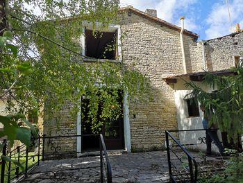 maison à Aunac (16)