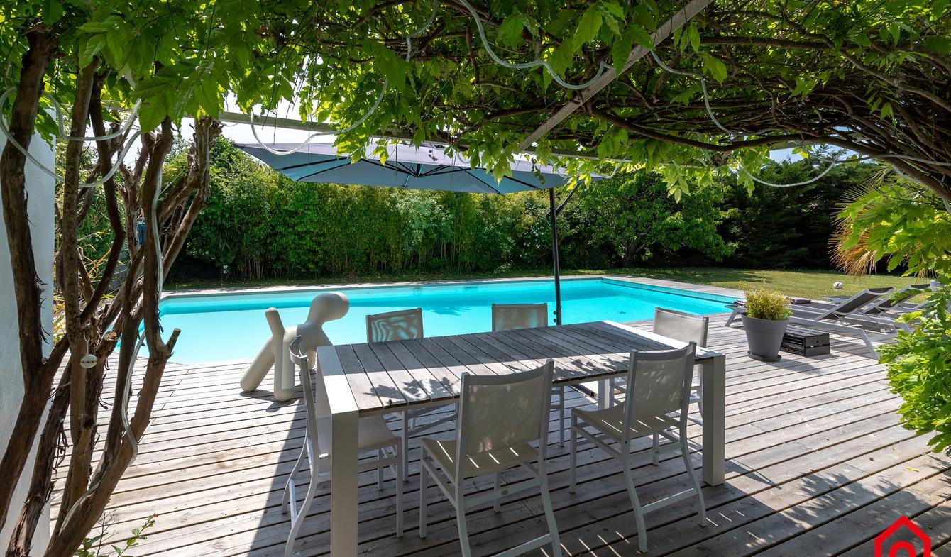 Maison contemporaine avec piscine en bord de mer La Barre-de-Monts
