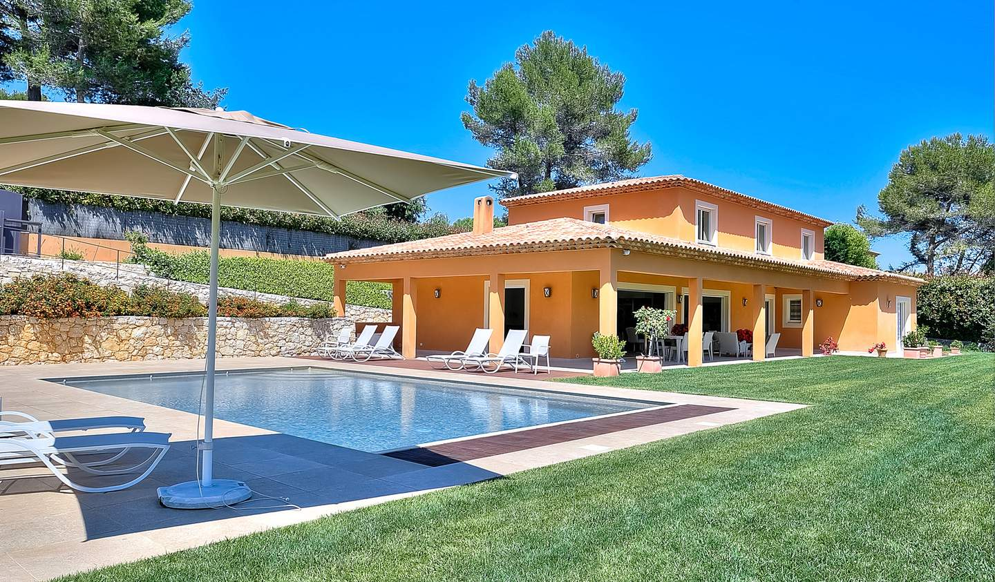House with pool Biot