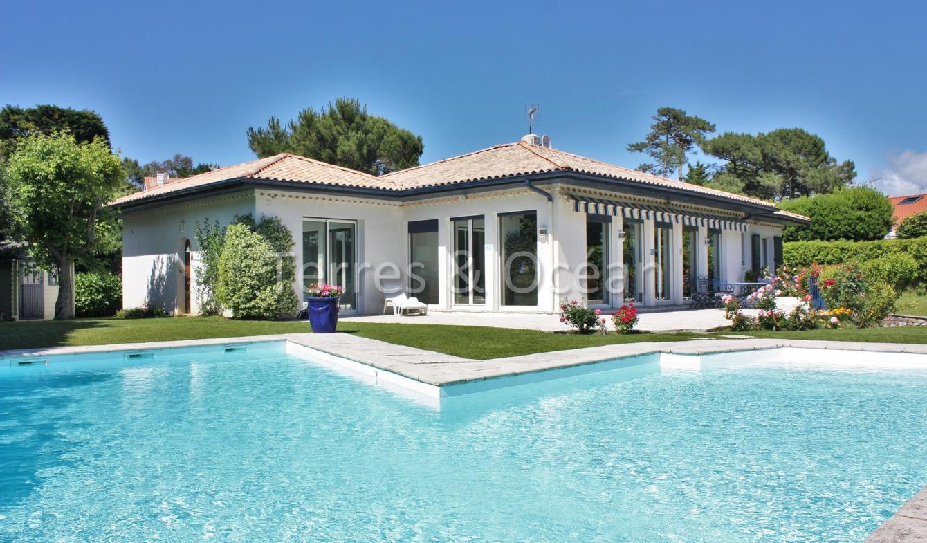 Villa with pool and terrace Anglet